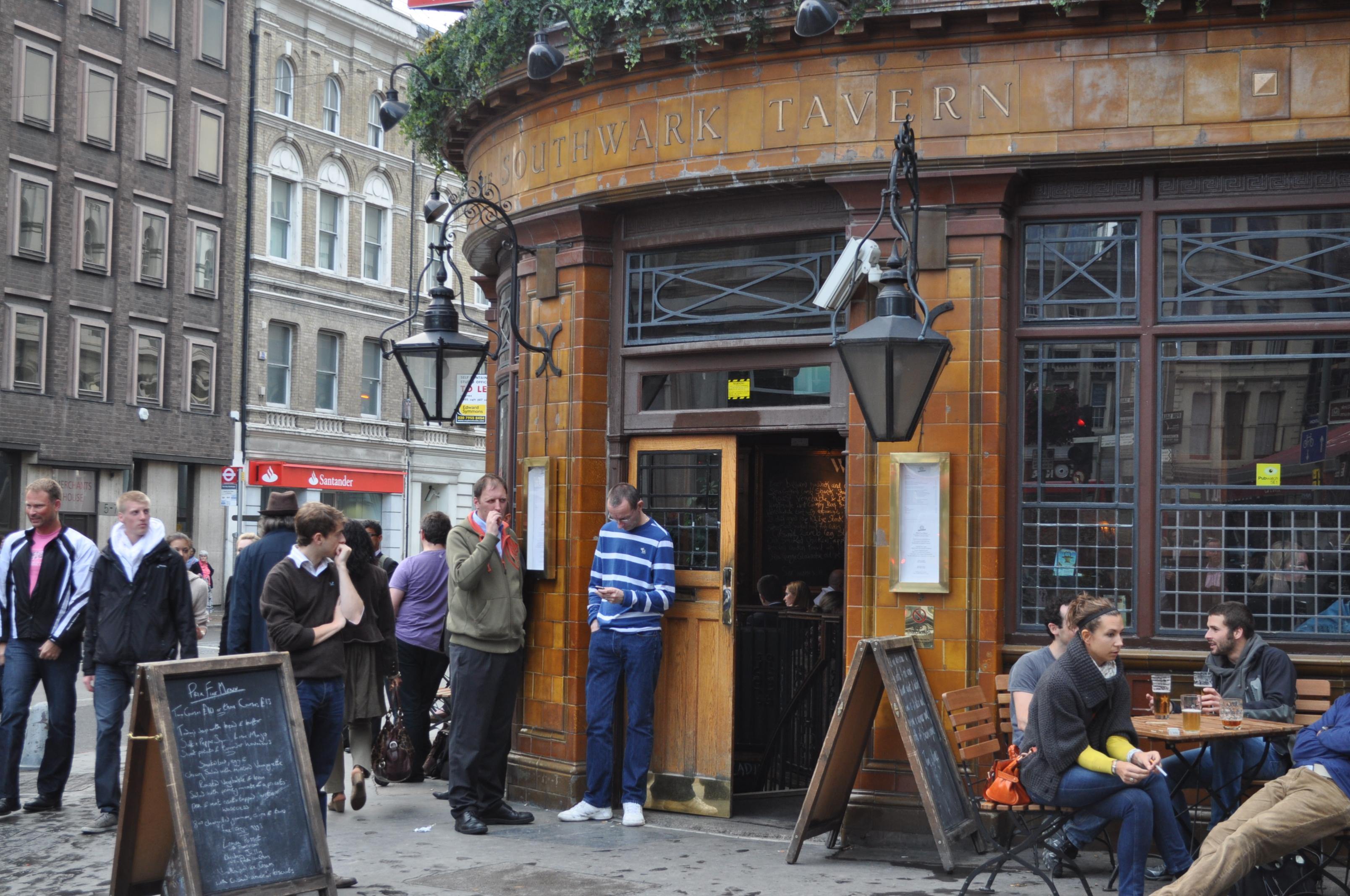 Pub quiz by the leaky cauldron lemony snippet - Pub porta romana ...